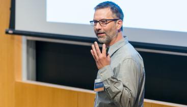 Professor Matthias Doepke giving a lecture.